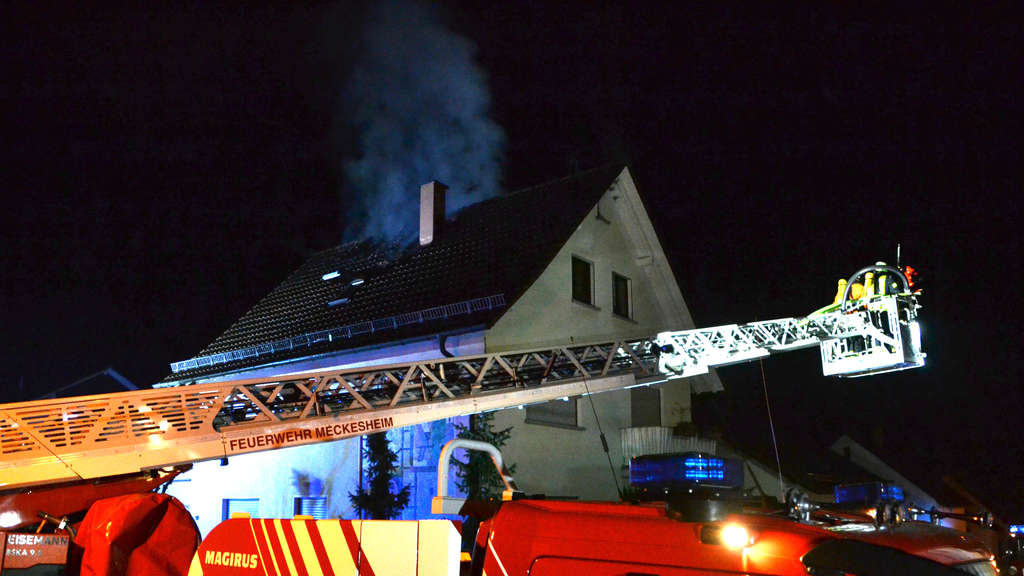 Dachgeschoss in Dielheim in Flammen