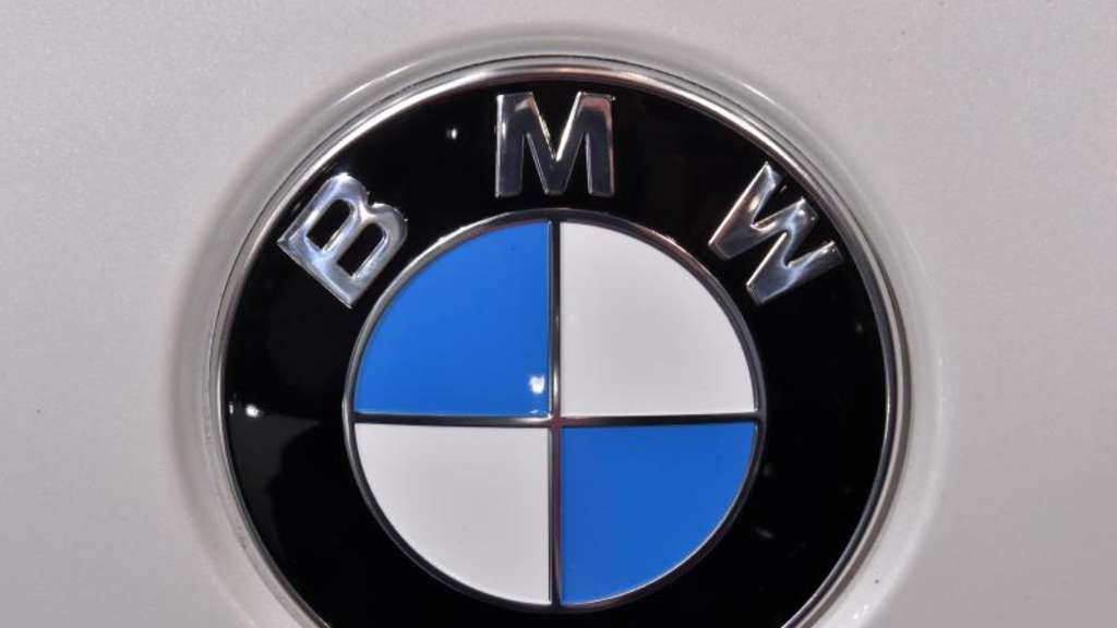 Ein BMW Logo bei der North American International Auto Show in Detroit. Foto: Uli Deck