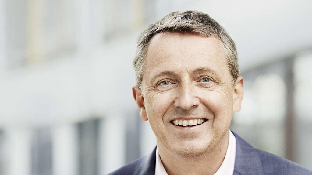 Der OB-Kandidat der SPD: Dr. <b>Peter Kurz</b>. - 268748957-ob-wahl-peter-kurz-2sa7