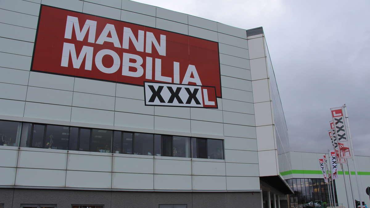 fotos mannheim vogelstang xxxl mann mobilia stellt mitarbeiter frei mannheim. Black Bedroom Furniture Sets. Home Design Ideas