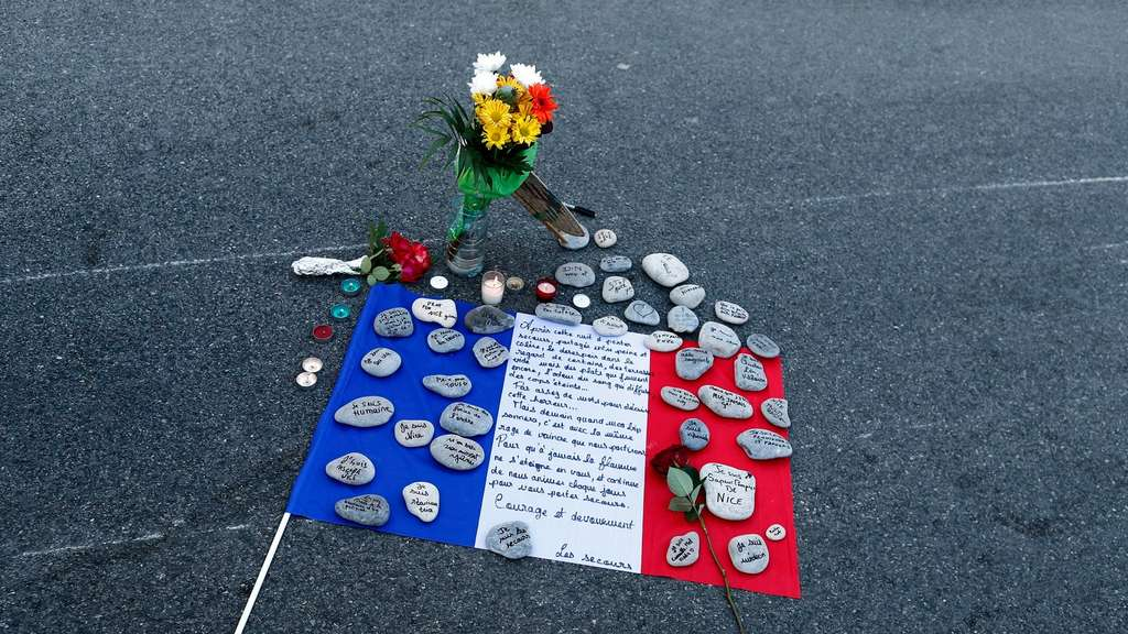 Tribute to the victims of the Nice attack