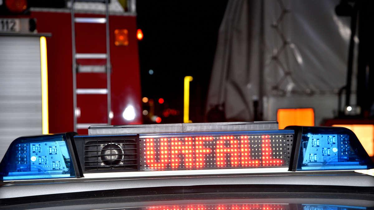 Frankenthal schwerer unfall auf b9 drei verletzte region for Mercedes benz b9 service