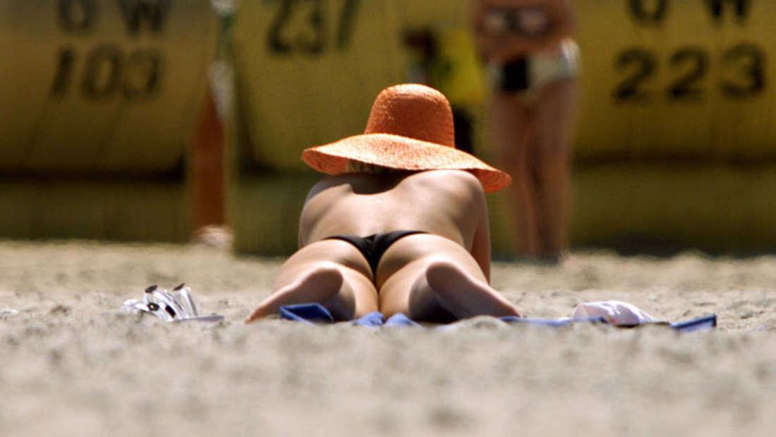 Bikini Strand