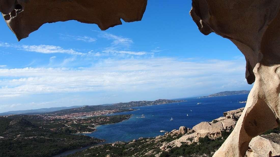 Platz 5: Auf Sardinien wimmelt es nur so von kleinen Buchten, Höhlen und traumhaften Stränden.
