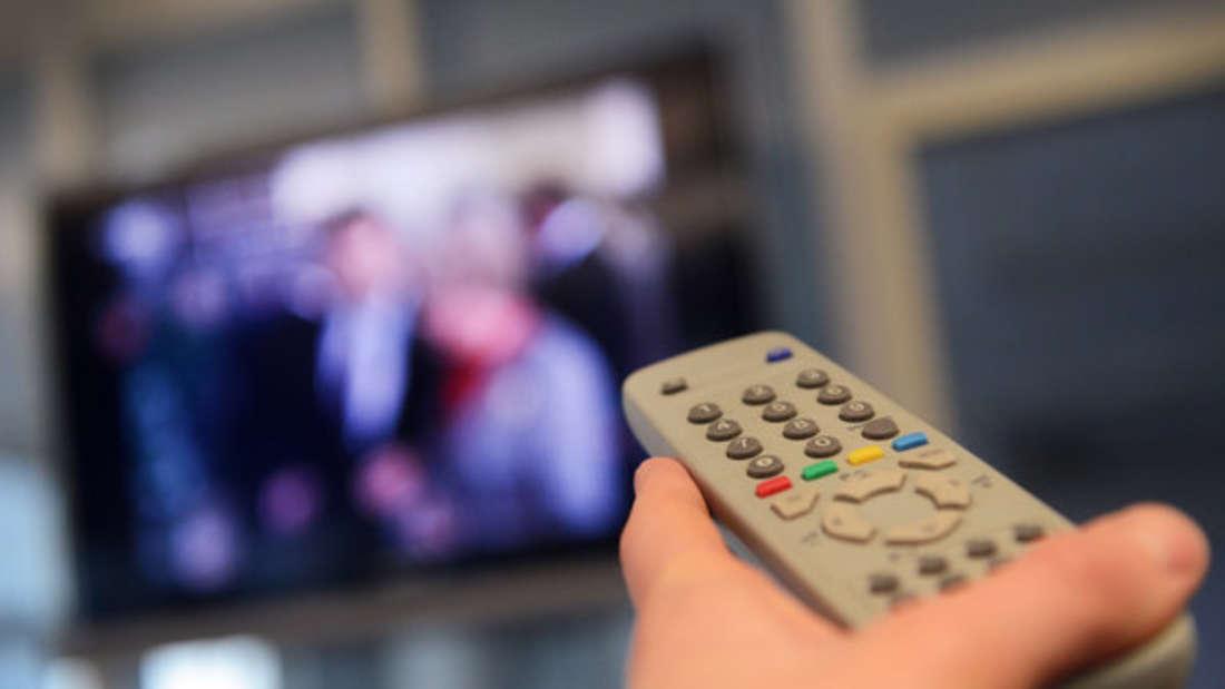 Ein Gast in einem Hotel in Barcelona kam mit der TV-Fernbedienung an die Rezeption, um nachzufragen, wie denn bitte ein Anruf mit diesem Telefon gemacht werden soll.
