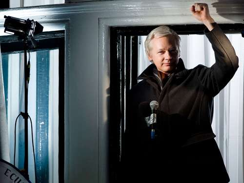Julien Assange soll High-Fashion-Model werden