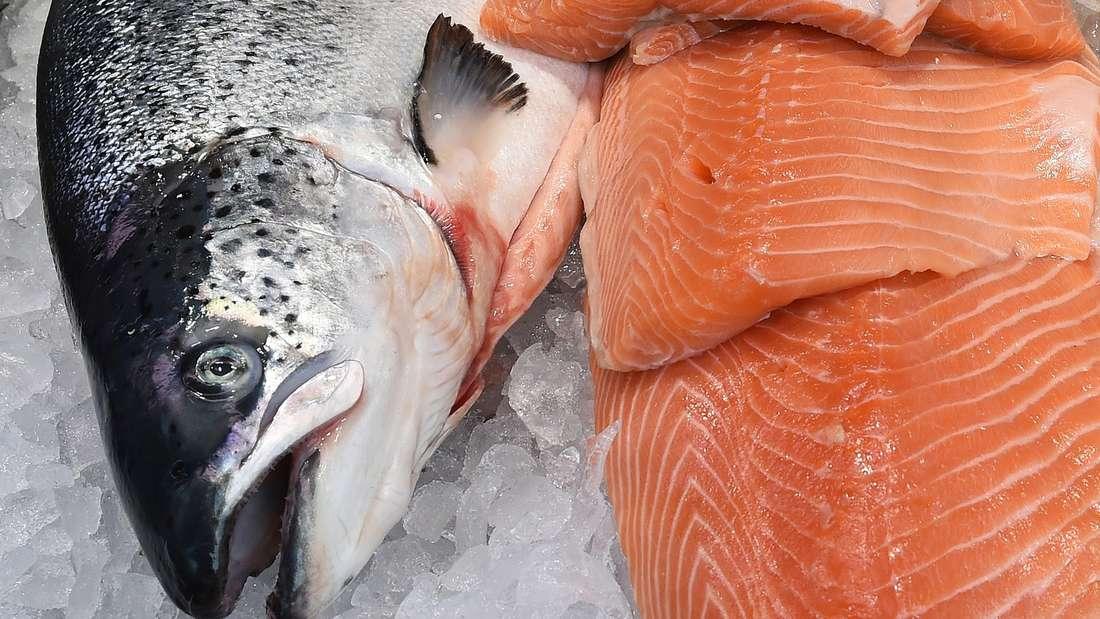 In Lachs stecken reichlich gesunde Fette.
