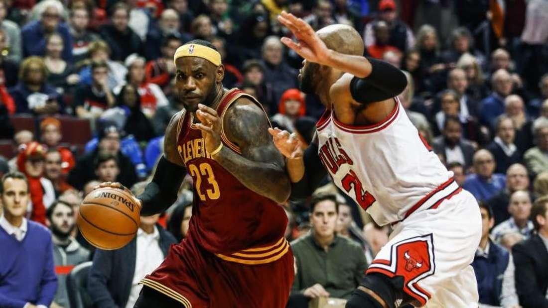 LeBron James bestand mit den Cavs die schwere Prüfung in Chicago. Foto: Tannen Maury