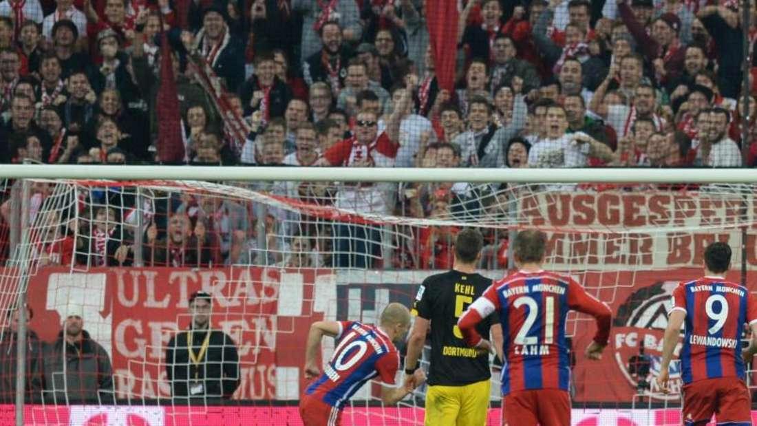 Arjen Robben traf vom Elfmeterpunkt zum 2:1. Foto: Andreas Gebert