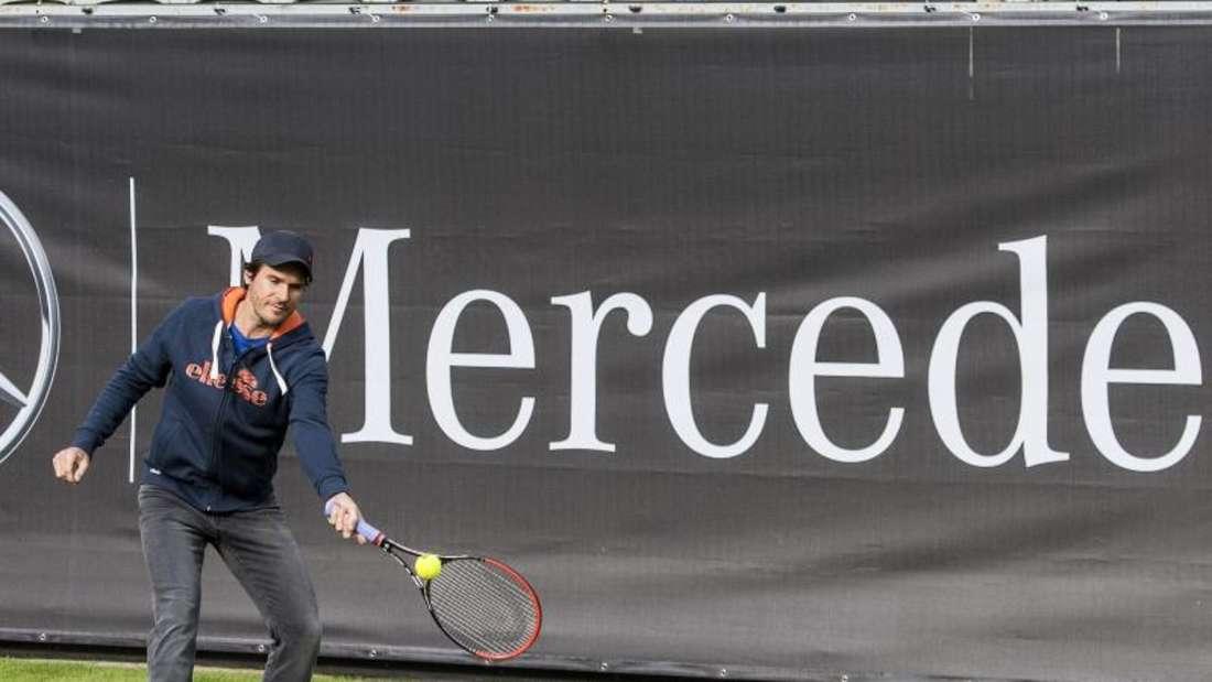 Tommy Haas spielte die ersten Bälle auf dem Rasen-Center-Court mit Links. Foto: Daniel Maurer