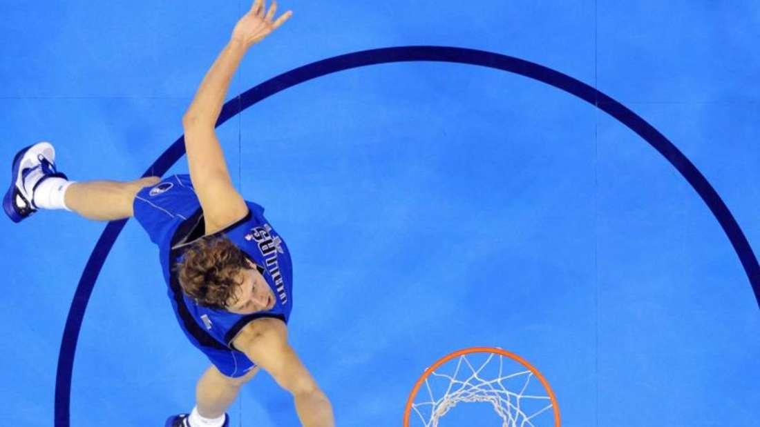 Dirk Nowitzki und die Dallas Mavericks sind derzeit gut in Form. Foto: Larry W. Smith