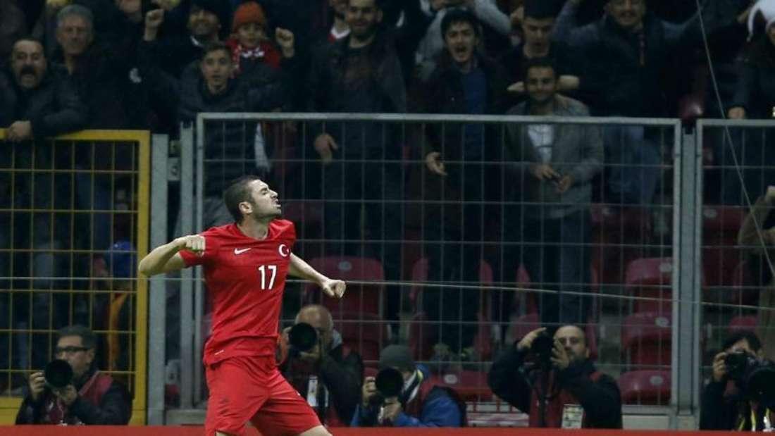 Burak Yilmaz schoss die Türkei mit seinem Doppelpack auf die Siegerstraße. Foto: Tolga Bozoglu