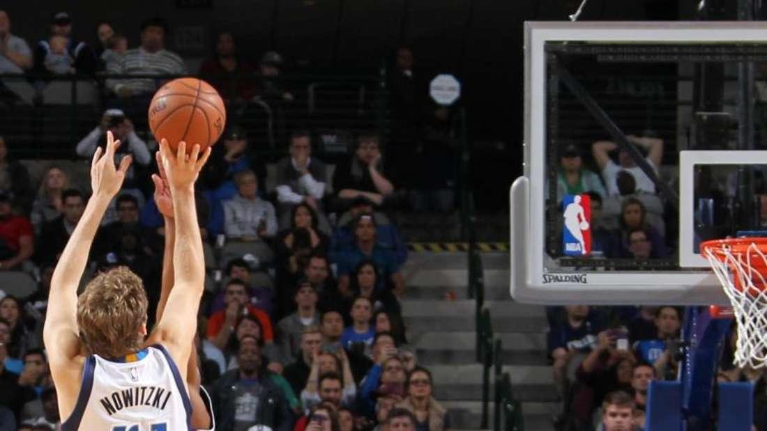 Dirk Nowitzki (41) steuerte 23 Zähler zum Sieg der Mavericks bei. Foto: Danny Bollinger/NBAE/Getty Images