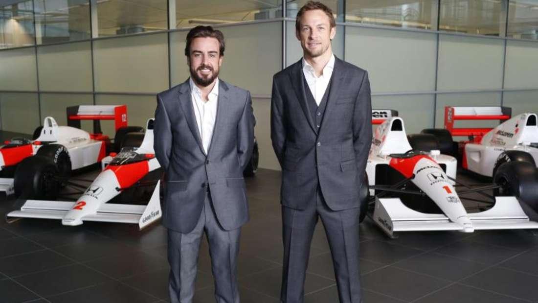 Fernando Alonso (l) und Jenson Button bekommen bald ihren neuen Wagen. Foto: Mclaren-Honda