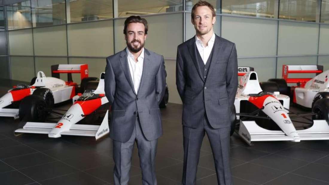 Das McLaren-Fahrer-Duo Jenson Button und Fernando Alonso wurde bereits im Dezember vorgestellt. Foto: McLaren-Honda