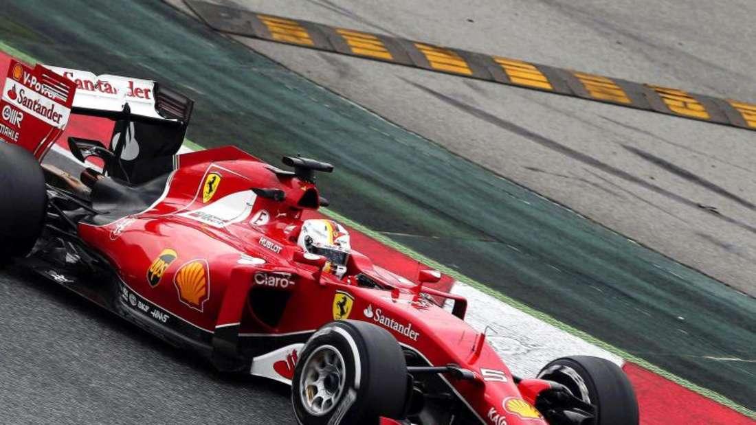 Sebastian Vettel beeindruckt im Ferrari die Konkurrenz. Foto: Toni Albir