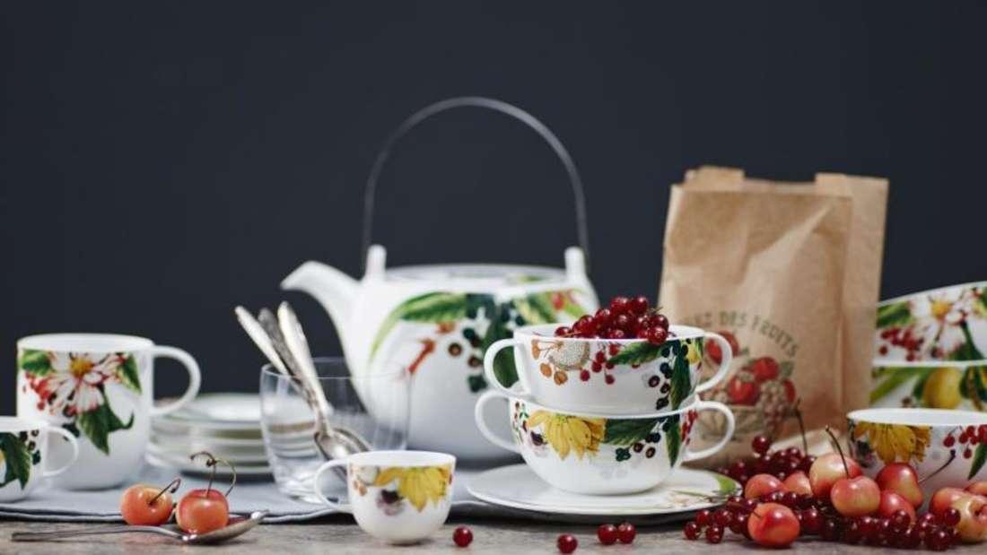Im Trend: Pflanzenmotive finden sich derzeit auf vielen Geschirrsets. Auch bei Rosenthals Les Fruits du Jardin. Foto: Rosenthal