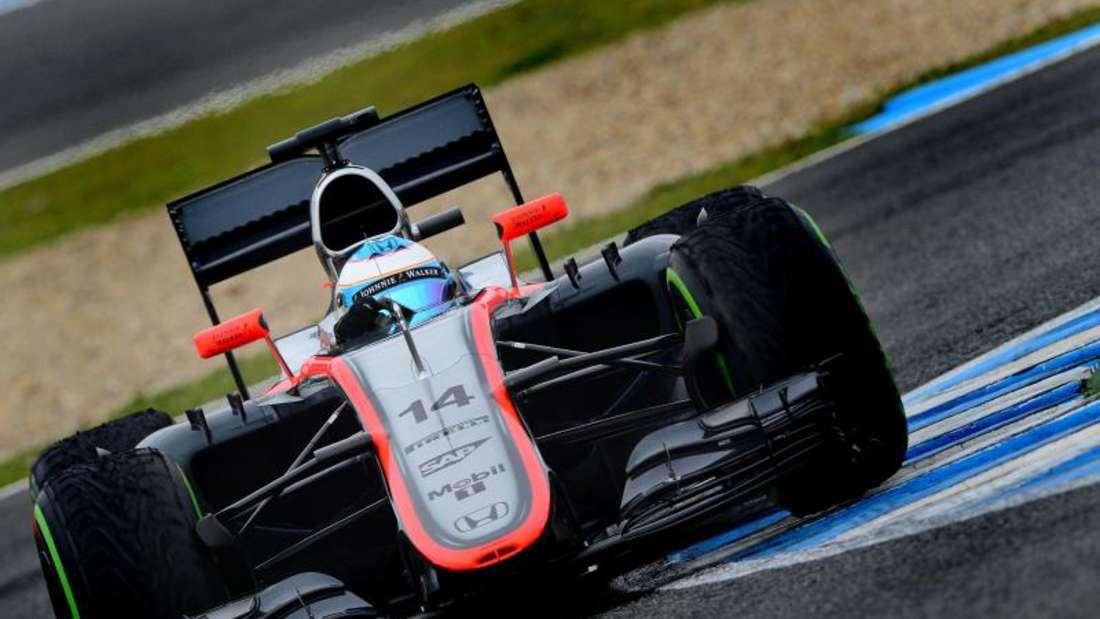 Fernando Alonso will bei Großen Preis von Malaysia wieder im McLaren-Cockpit sitzen. Foto: Peter Steffen