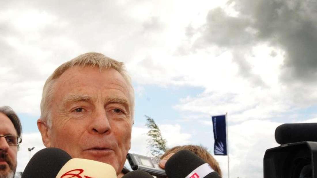 Max Mosley empfiehlt für die Formel 1 eine Budgetgrenze einzuführen. Foto (2009): Gerry Penny Foto: epa Gerry Penny