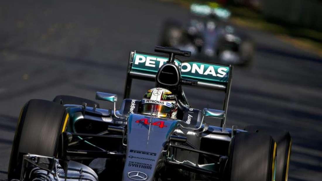 Die üblichen Verdächtigen: Seit 41 Rennen ist zumindest ein Mercedes-Silberpfeil in die Punkte gefahren. Foto: Diego Azubel