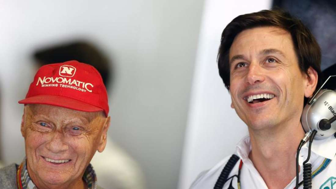 Für die Mercedes-Bosse Niki Lauda (l) und Toto Wolff ist das Rennen in Spielberg etwas Besonderes. Foto: Valdrin Xhemaj