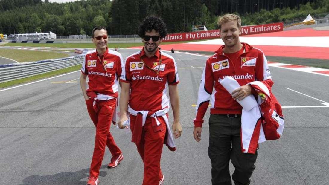 Sebastian Vettel (r) genießt die Zeit in Österreich. Foto: Hans Klaus Techt
