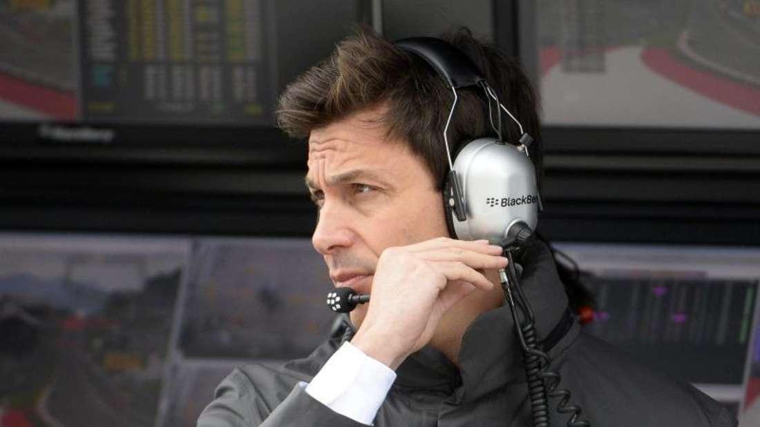 Mercedes-Motorsportchef Toto Wolff erwartet einen engen Kampf mit Ferrari in Spielberg. Foto: Hans Klaus Techt
