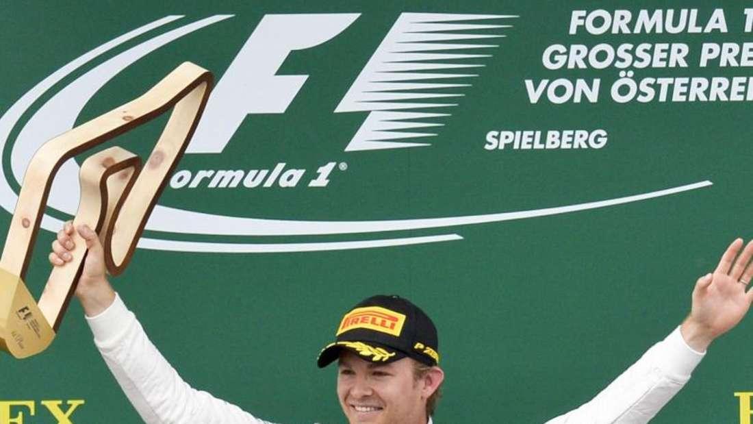 Nico Rosberg triumphiert beim Großen Preis von Österreich. Foto: Herbert Neubauer