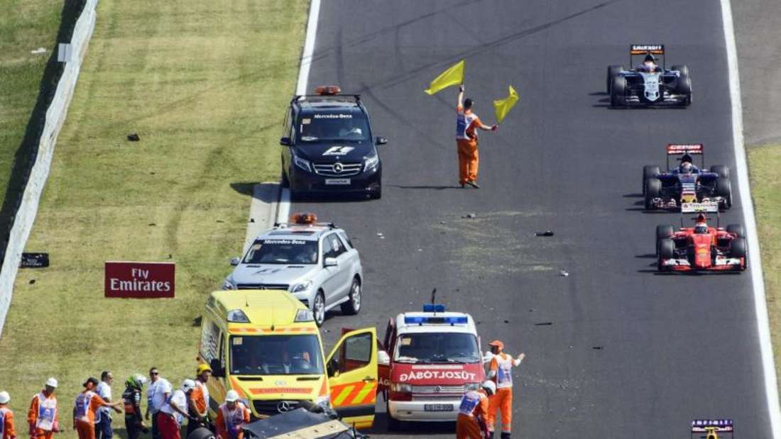 Force-India-Pilot Sergio Perez hat sich im Training überschlagen. Foto: Szolt Czegledi