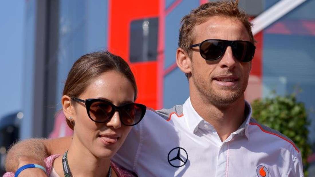 Jenson Button und seine Freundin Jessica Michibata wurden in Frankreich ausgeraubt. Foto: David Ebener