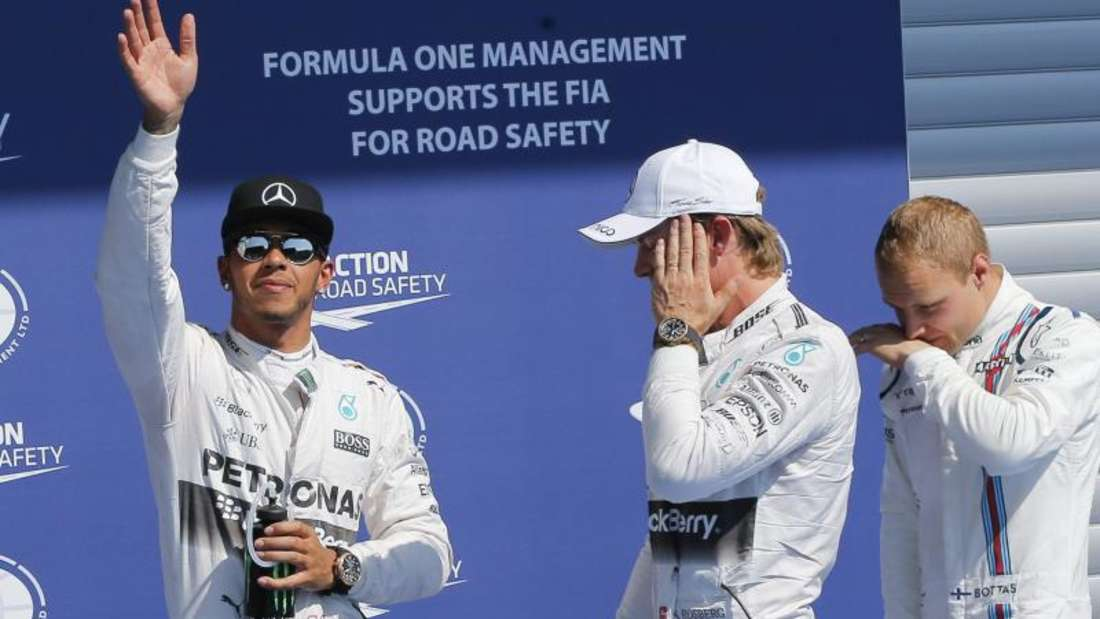 Nur WM-Spitzenreiter Lewis Hamilton (l) wirkte zurfrieden. Foto: Valdrin Xhemaj