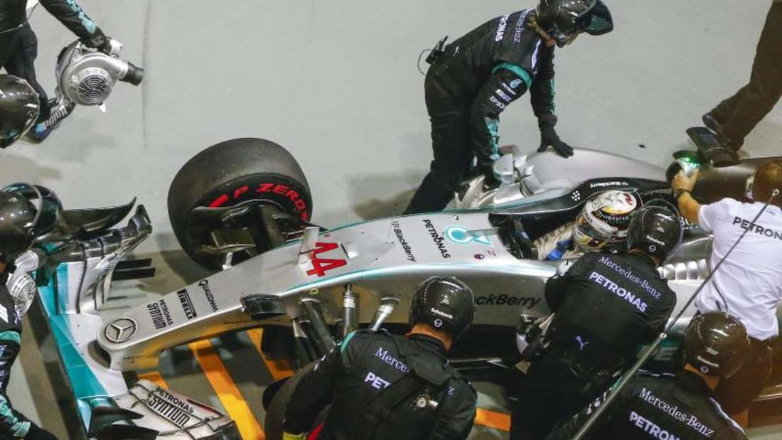 WM-Spitzenreiter Lewis Hamilton musste seinen Boliden frühzeitig in die Garage fahren. Foto: Diego Azubel