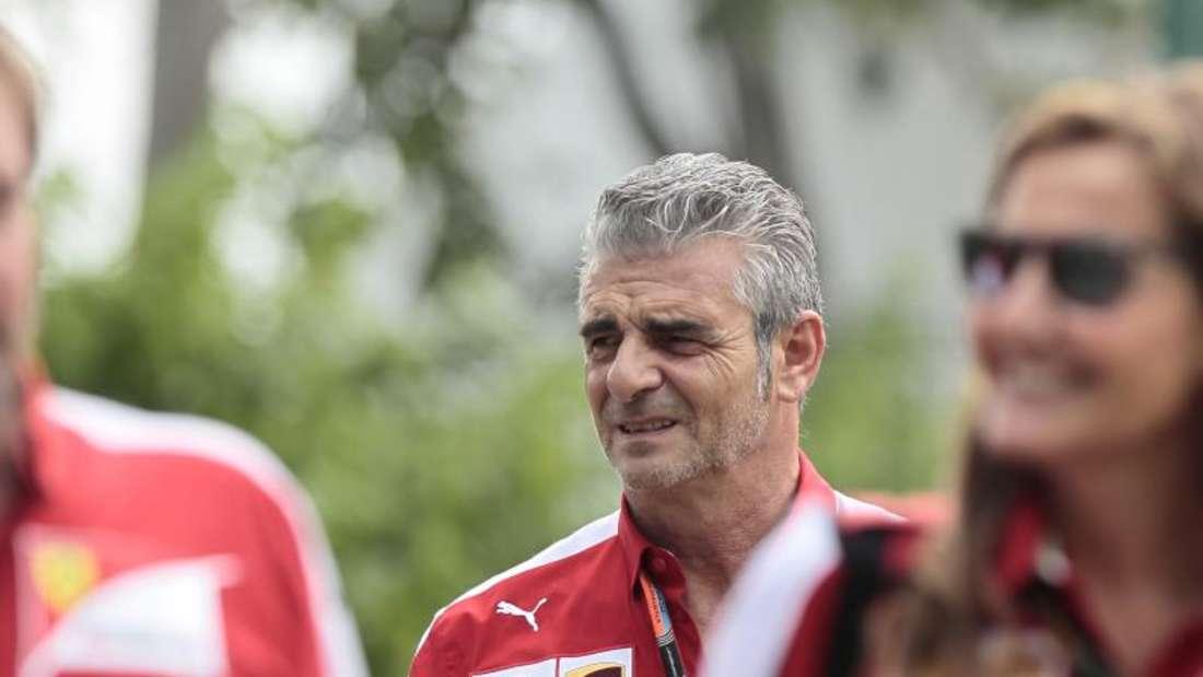 Ferrari-Teamchef Maurizio Arrivabene lässt sich durch den Erfolg in Singapur nicht zu WM-Vorhersagen verleiten. Foto: Wallace Woon