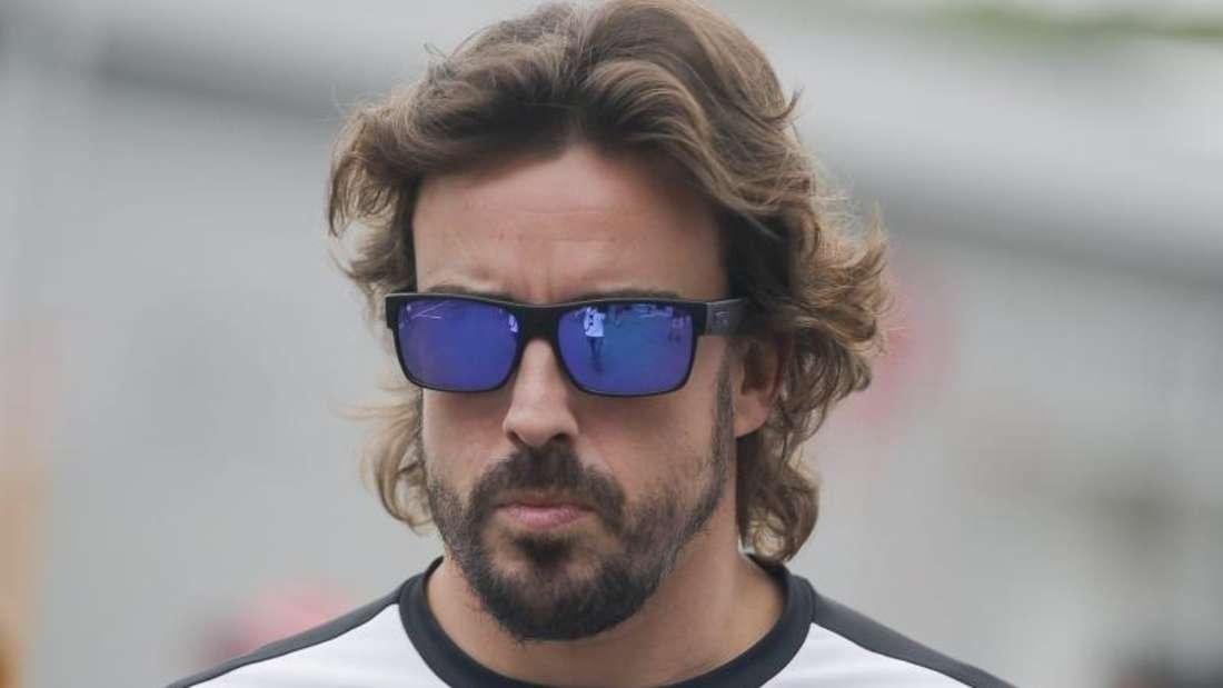 Der zweifache Weltmeister Fernando Alonso fährt nur hinterher. Foto: Diego Azubel