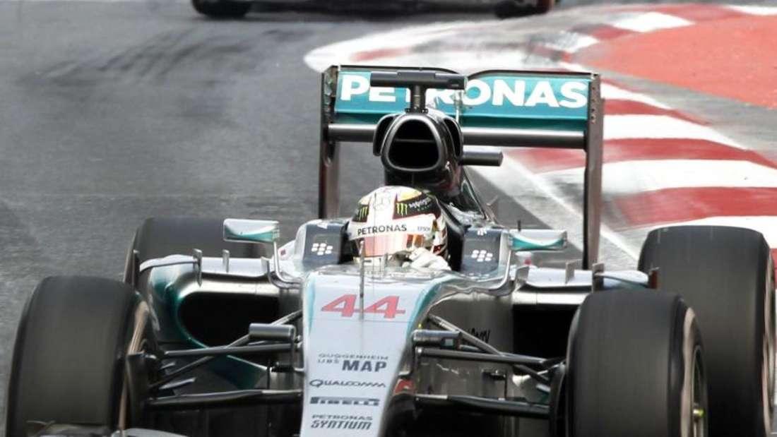 Lewis Hamilton ignorierte eine erste Aufforderung seines Teams zu einem zweiten Boxenstopp. Foto: Jose Mendez