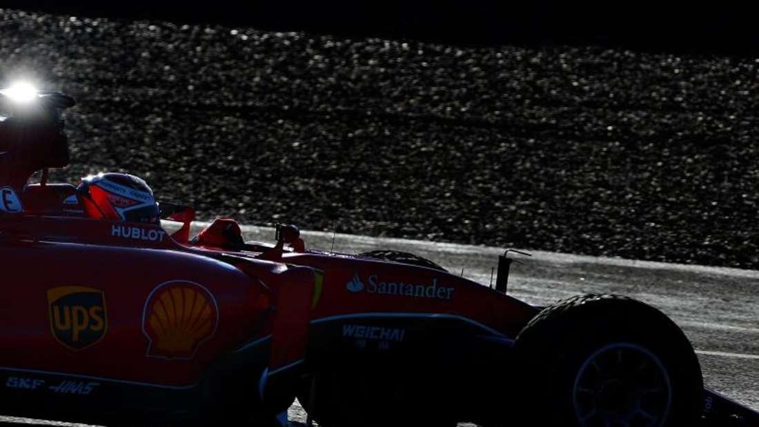 Die Formel 1 zeigte sich über den Kurznachrichtendienst Twitter betroffen über die Geschehnisse inParis. Foto: Peter Steffen