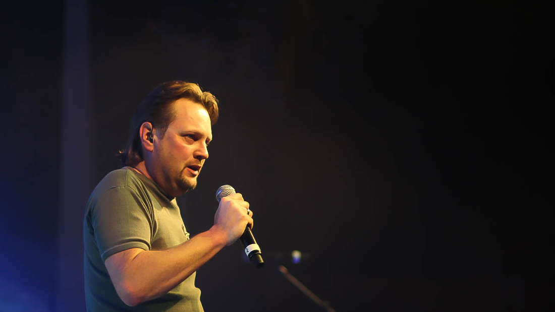 Impressionen vom X-MAS-Rockfestival am 27.12.2015 in der Rudolf-Wild-Halle in Eppelheim.