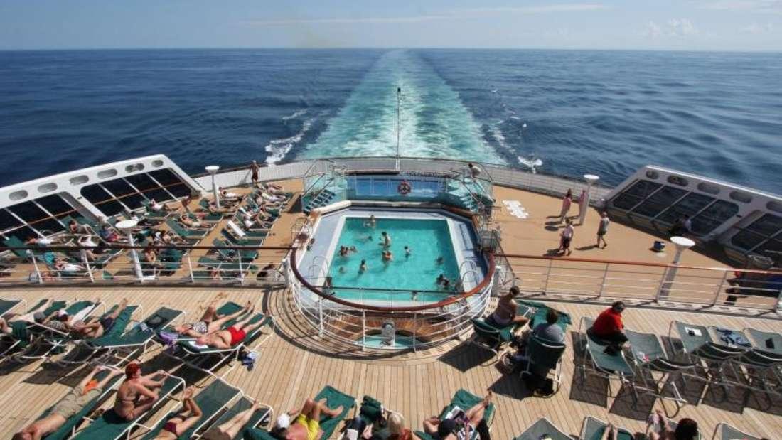 Viele Schiffe haben heute Bewegungsstabilisatoren. Das verkleinert den Effekt der Meereswogen. Auf die Seekrankheit haben aber weitere Faktoren Einfluss. Foto: Hilke Segbers