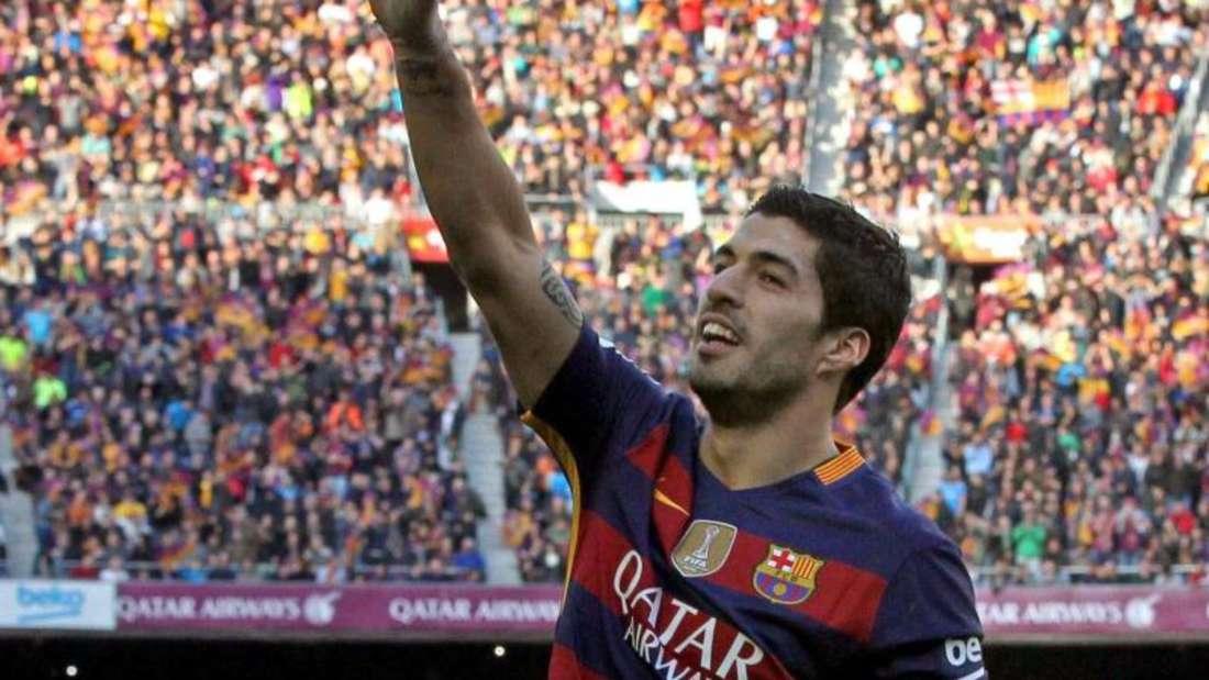 Luis Suarez jubelt über seinen Treffer im Spitzenspiel gegen Atlético Madrid. Foto: Toni Albir