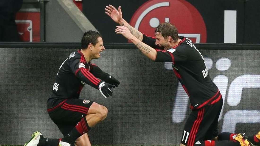 Stefan Kießling und Javier «Chicharito» Hernandez harmonieren prächtig im Sturm von Bayer 04 Leverkusen. Foto: Maja Hitij