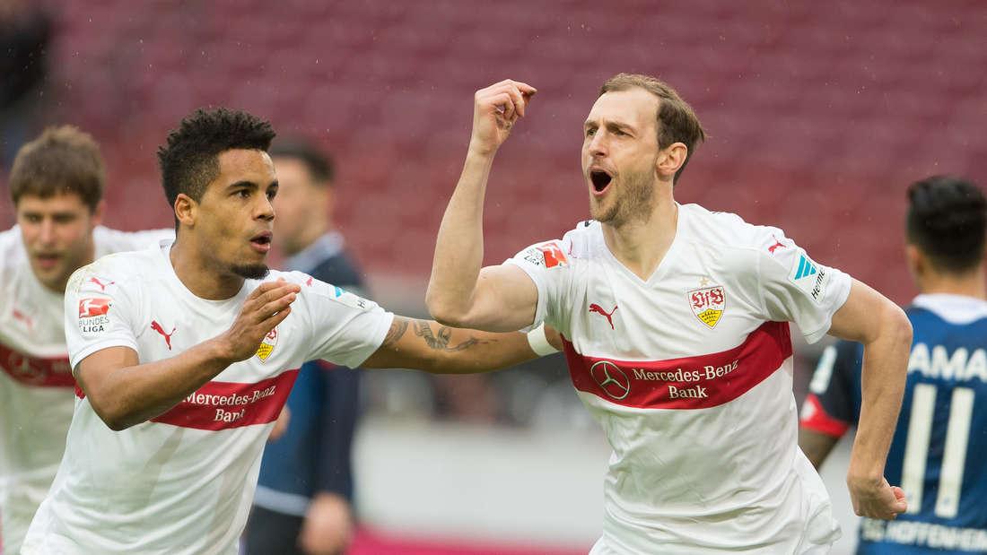 Fuflball: Bundesliga, VfB Stuttgart - TSG 1899 Hoffenheim: 25. Spieltag am 05.03.2016 in der Mercedes-Benz-Arena in Stuttgart. Der Stuttgarter Georg Niedermmeier (r) jubelt nach dem Tor zum 1:0 mit Daniel Didavi.