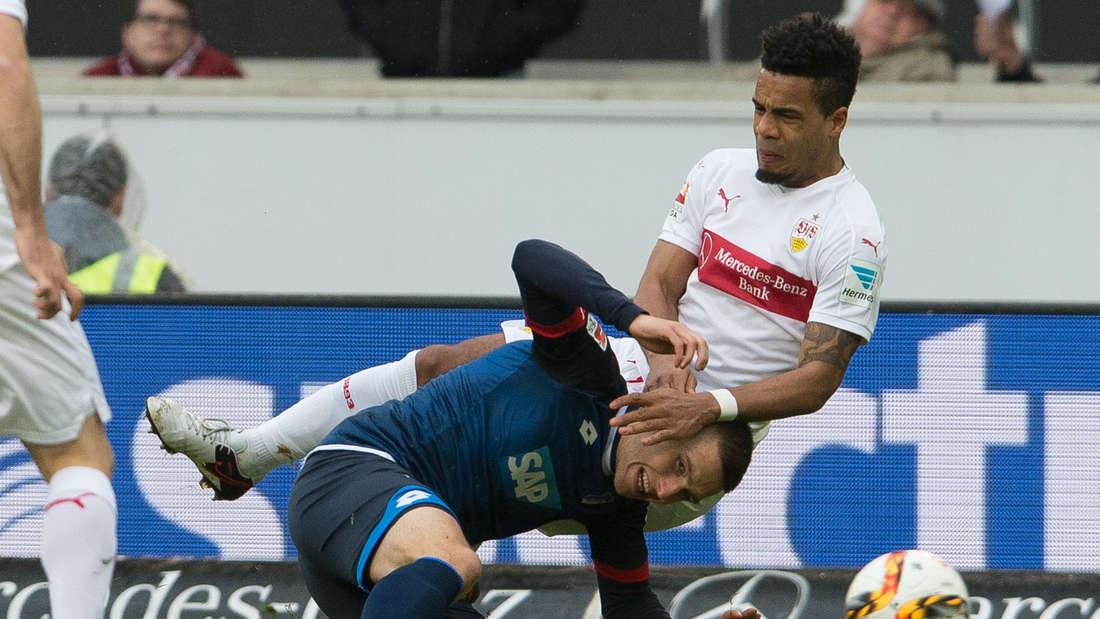 Fuflball: Bundesliga, VfB Stuttgart - TSG 1899 Hoffenheim: 25. Spieltag am 05.03.2016 in der Mercedes-Benz-Arena in Stuttgart. Der Stuttgarter Daniel Didavi (r) spielt gegen den Hoffenheimer Pavel Kaderabek.