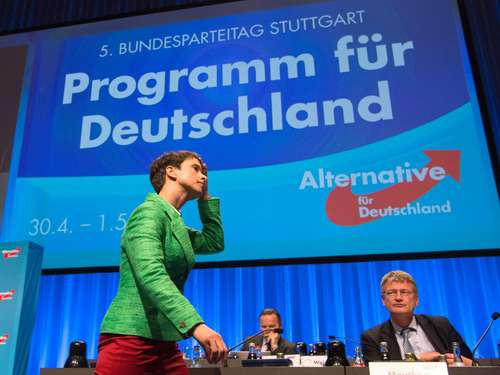 Turbulenter AfD-Parteitag in Stuttgart: Proteste und Demonstrationen