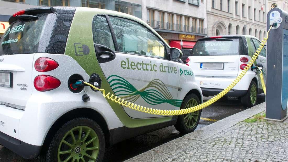 Verbraucher können von diesem Samstag an die Kaufprämien für Elektroautos beantragen.
