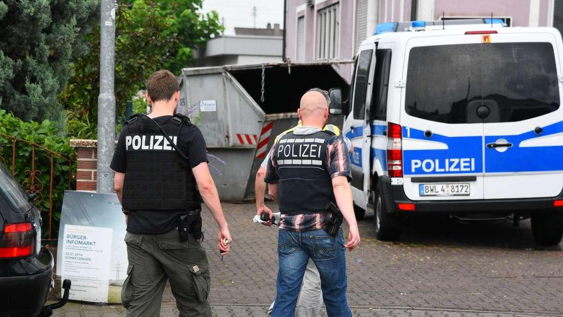Zwei Festnahmen bei der Razzia in der Flüchtlingsunterkunft.