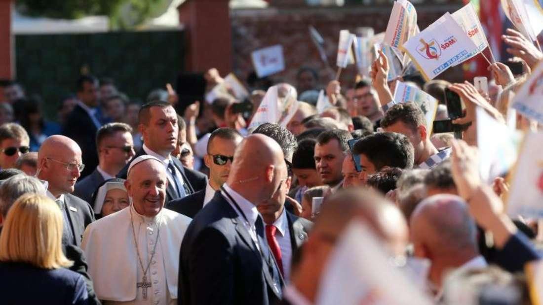Auf dem «Feld der Barmherzigkeit» vor den Toren Krakaus nahmen 1,6 Millionen Gläubige an der großen Abschlussmesse des Weltjugendtages teil. Foto:Pawel Supernak