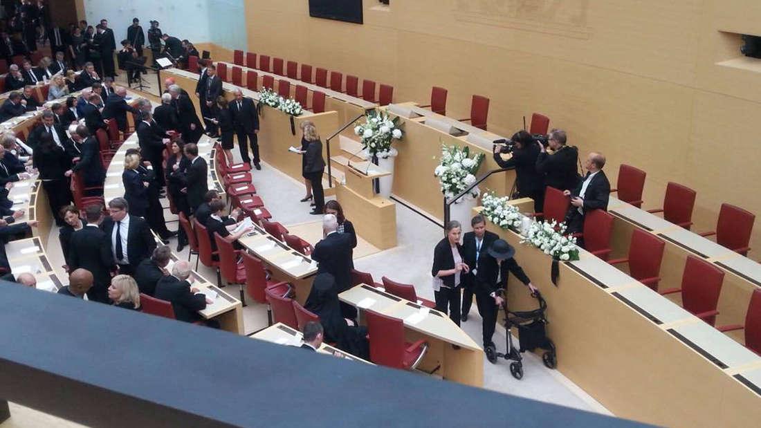 Im Bayerischen Landtag findet ein Trauerakt für die Opfer des Amoklaufes statt.