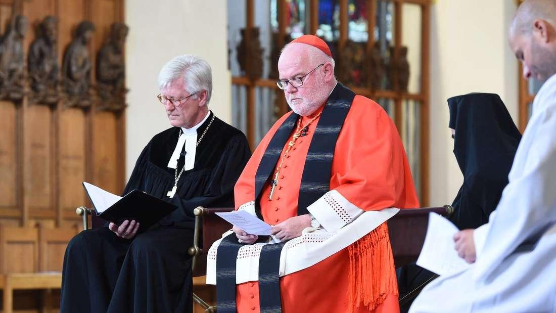 Der evangelische Landesbischof Heinrich Bedford-Strohm und Kardinal Reinhard Marx im Liebfrauendom.