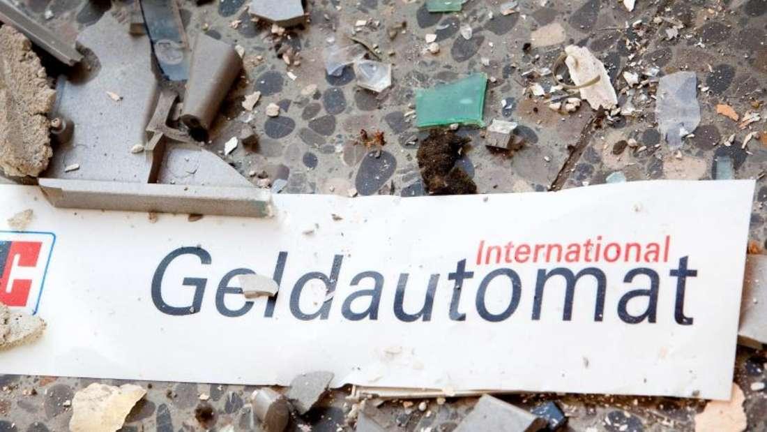 In Nordrhein-Westfalen wurden in diesem Jahr bereits 80 Geldautomaten gesprengt. Ein Ende der Serie ist nicht in Sicht. Foto: Patrick Pleul/Archiv
