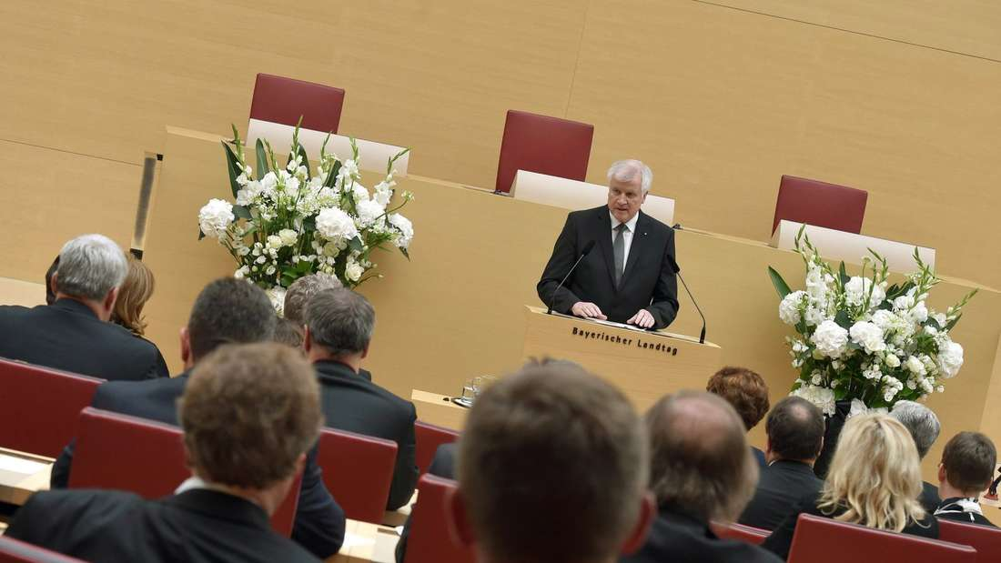Horst Seehofer spricht im Bayerischen Landtag.